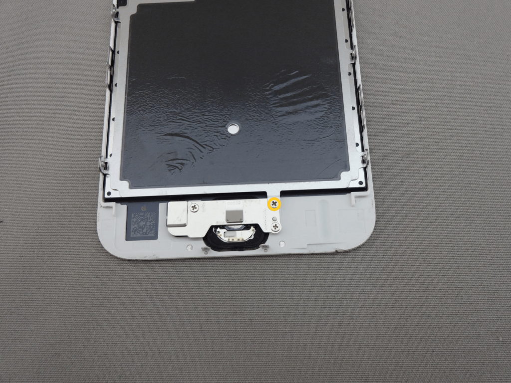 iPhone6s 下部 ネジ