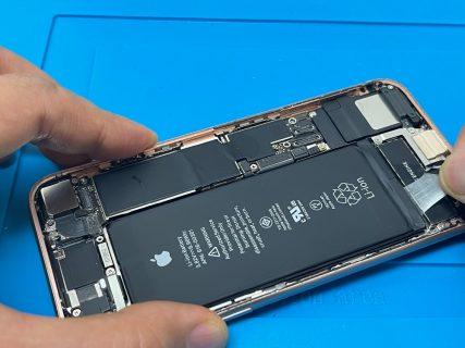 iPhone8 バッテリーシール
