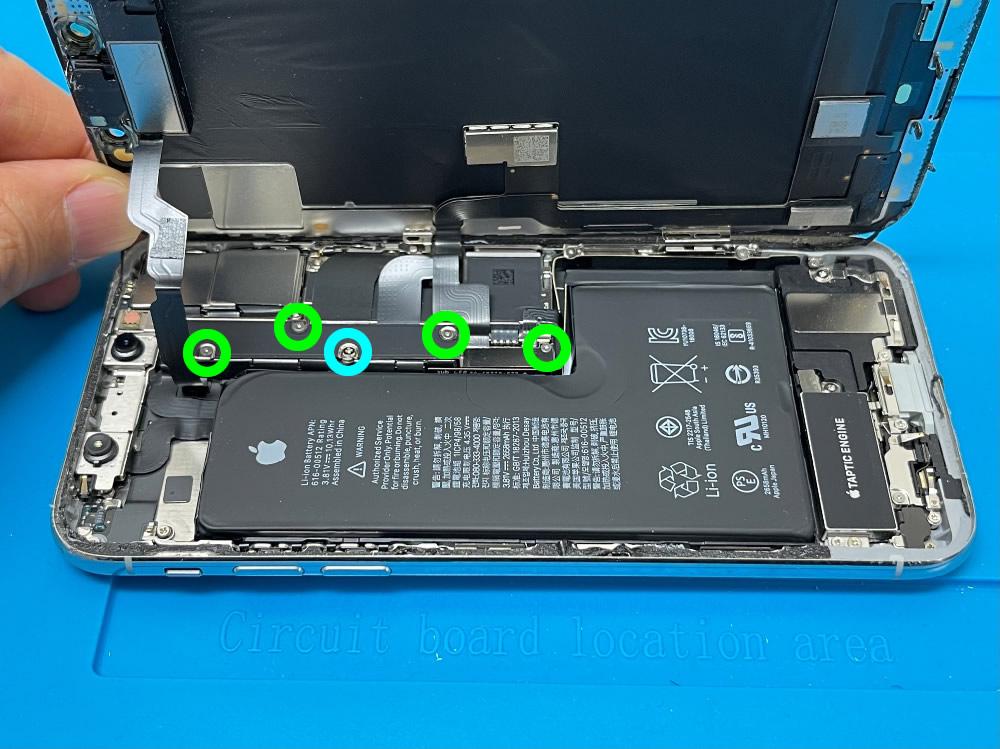 iPhoneXs フロントパネル