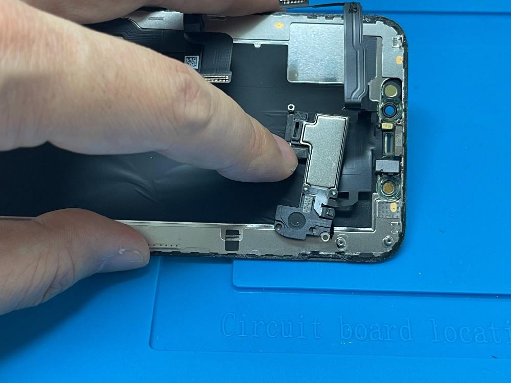 iPhoneXs フロントスピーカー